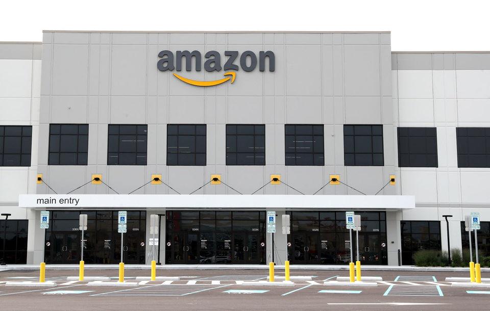Deux gigantesques centres Amazon à Cleveland